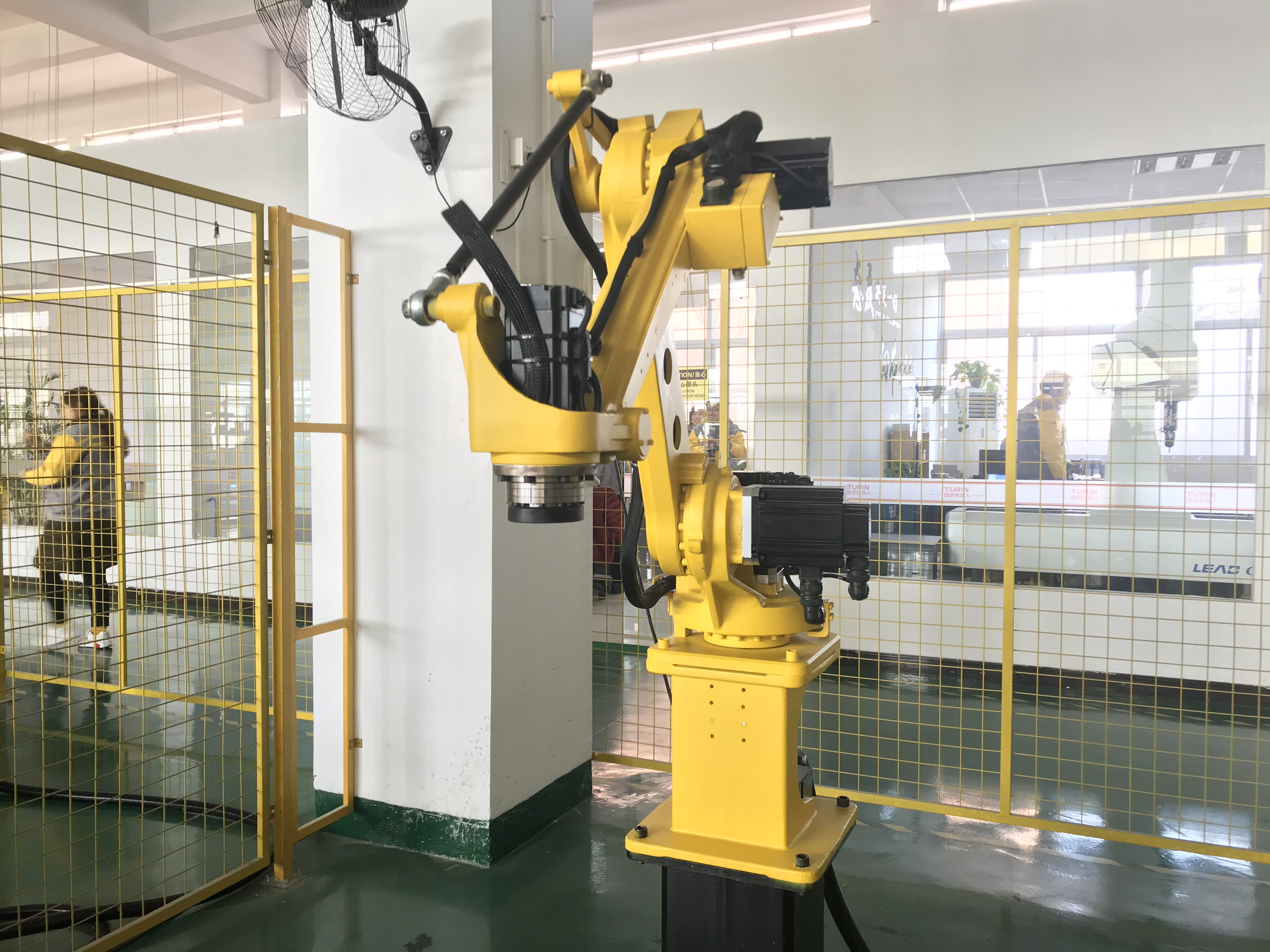 Press Machine Tending Robotic Arm TKB4800.jpg